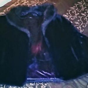 Jackets & Blazers - Vtg. Faux ranch mink fur/velvet cape